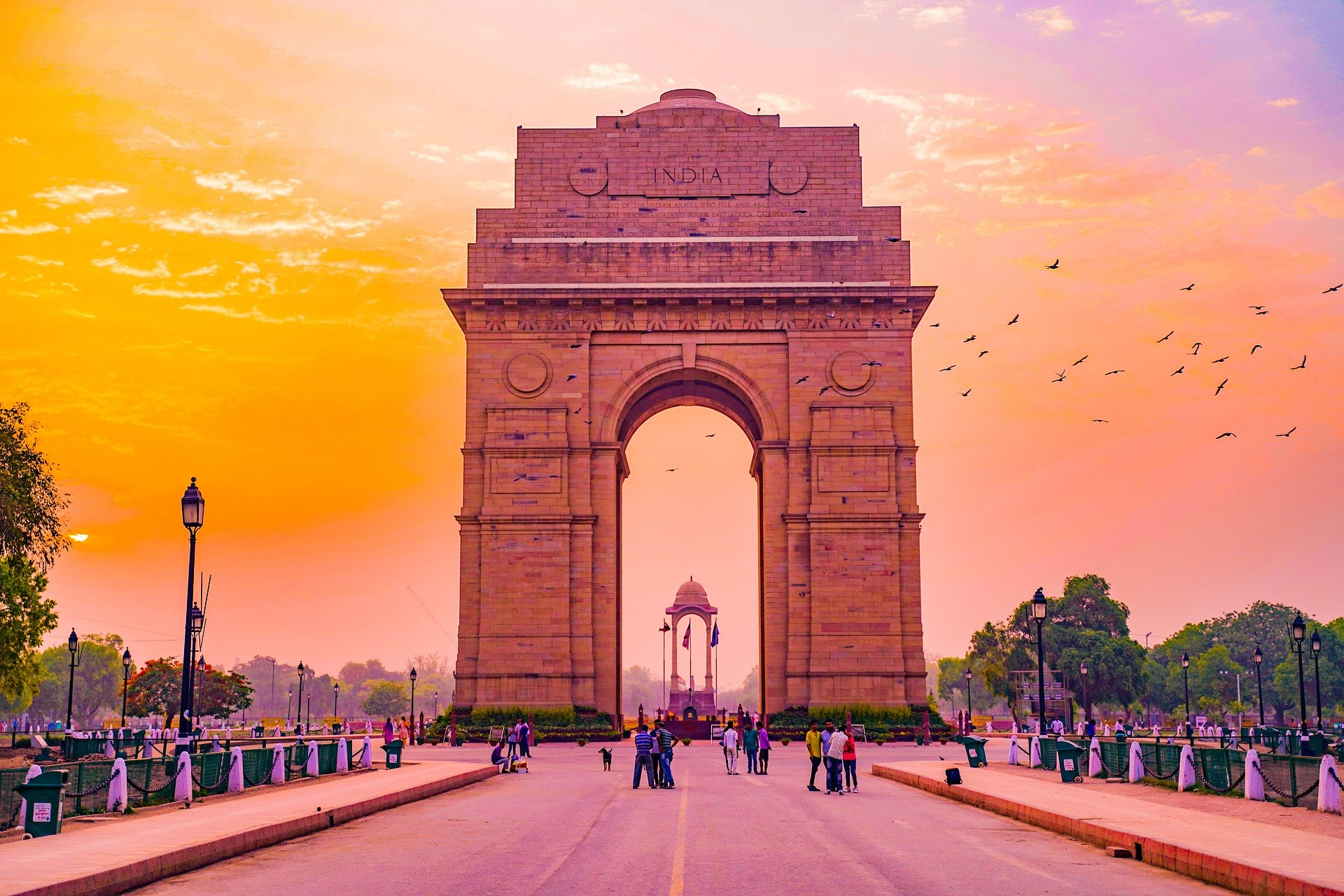 See the India Gate in Delhi