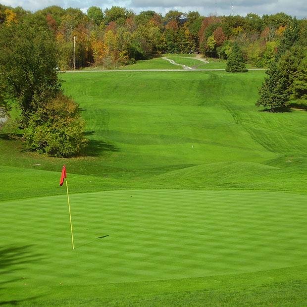 Le Club de Golf et Tennis Larrimac
