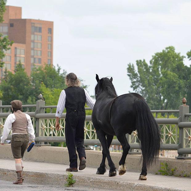 Vieux Hull à cheval