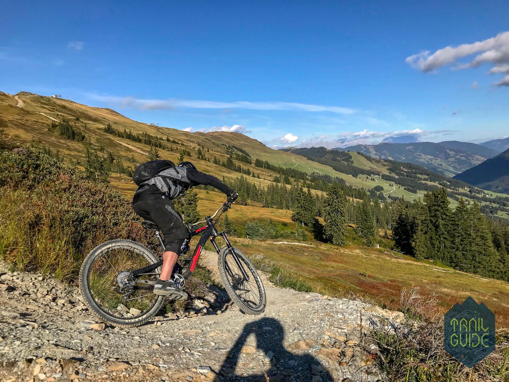 Trail-Guide_prujezd_zatackou_wzbkte.jpg