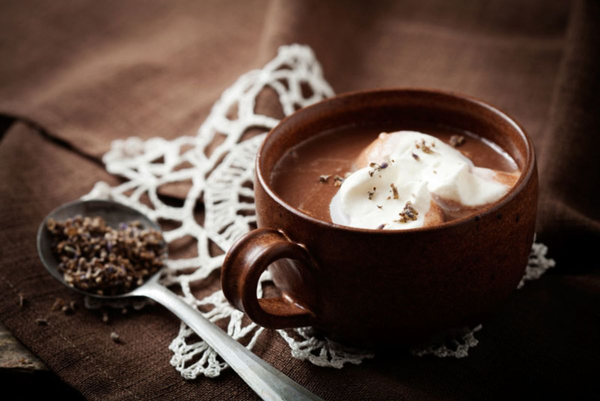 cup-of-hot-chocolate-with-marshmallow-and-lavender
