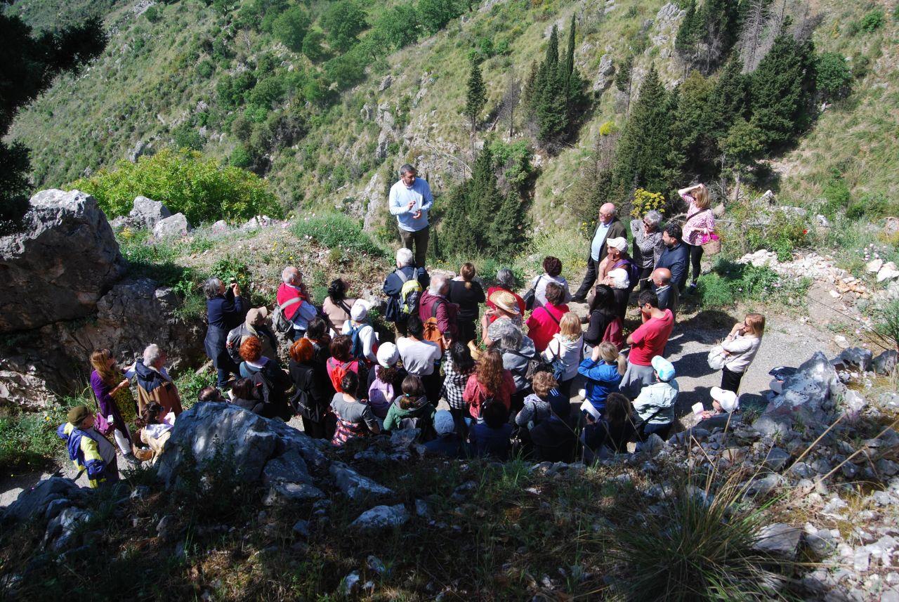 Monte Stella (Pazzano);  Saxa Herbae Flores Astra