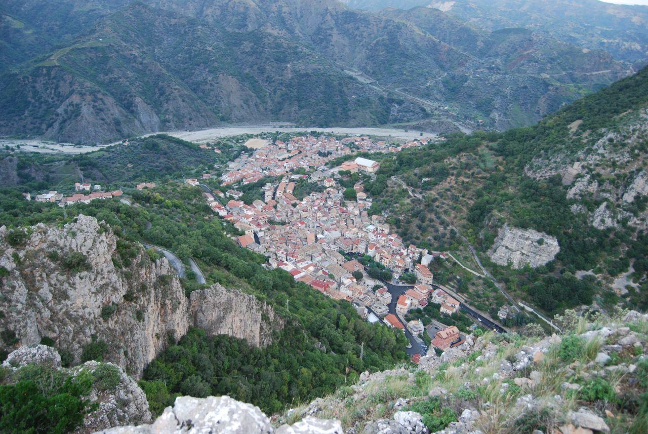 Monte Stella (Pazzano); Panorama su Bivongi