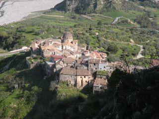 Monte Consolino (Stilo); Panorama sulla chiesa di San Domenico