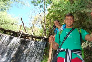 Trekking da Ferdinandea alla cascata del Marmarico. Presa Azzarella dell'impianto idroelettrico del Marmarico