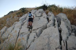Monte Stella (Pazzano); Formazione rocciosa sul percorso
