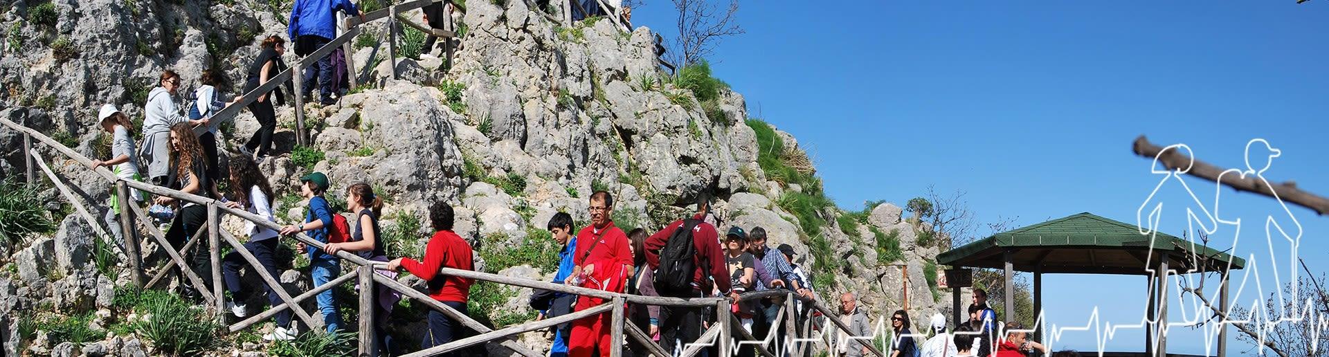 Monte Consolino (Stilo); Sentiero per il castello normanno