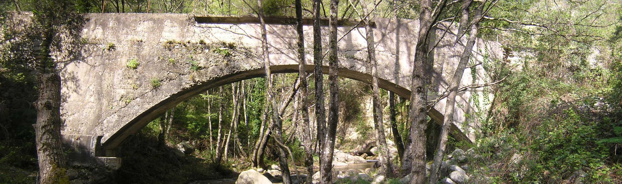 Bagni di Guida (Bivongi); Ponte canale della centrale idroelettrica L'avvenire