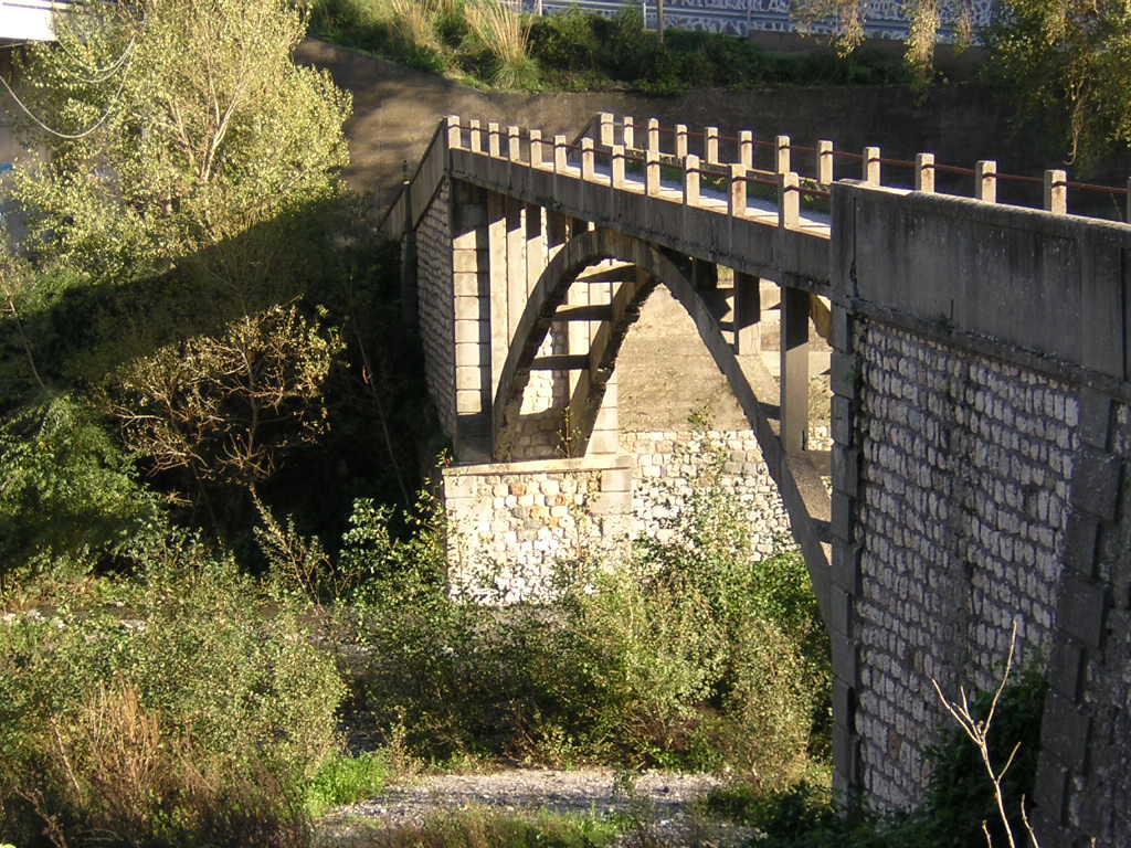 Bivongi; Ponte Vina