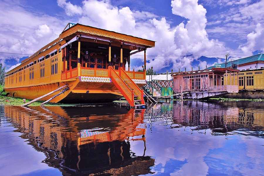 Kashmir Family Holiday Package with Houseboat