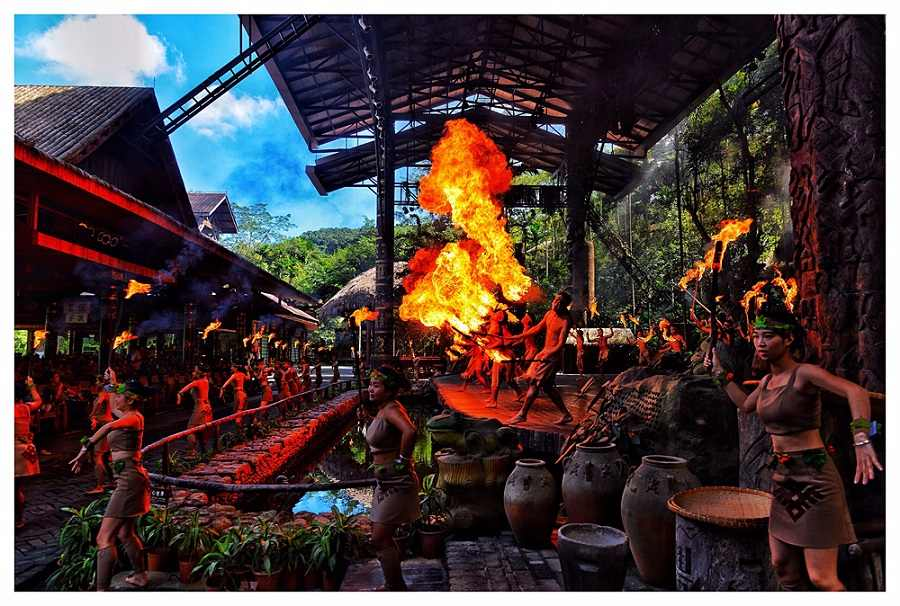 Palace Resort & Spa Yalong Bay; China Holiday Package