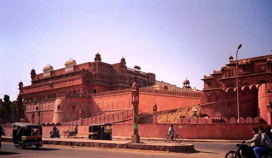 Sand Dunes, Lakes & Forts; Honeymooning in Royal Rajasthan
