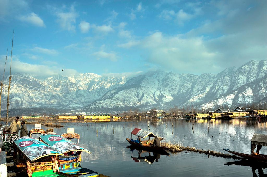 Essence of Kashmir; 6 Days Honeymoon Package