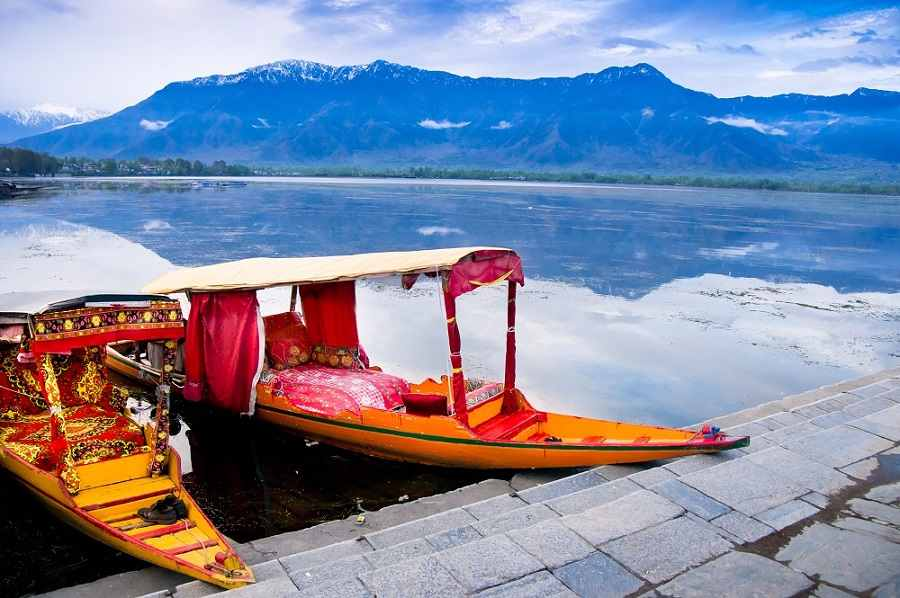 Romantic Kashmir Honeymoon; 5 nights Package
