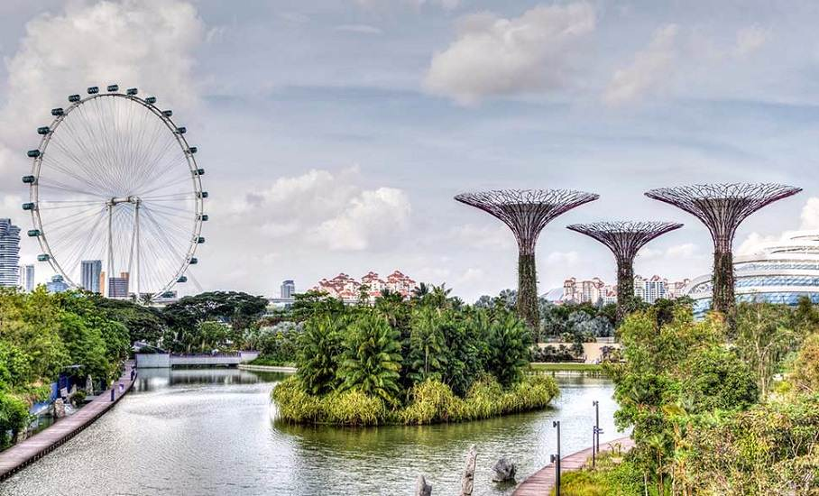 Singapore Honeymoon Package with Sentosa & Genting Highlands; Flight inclusive