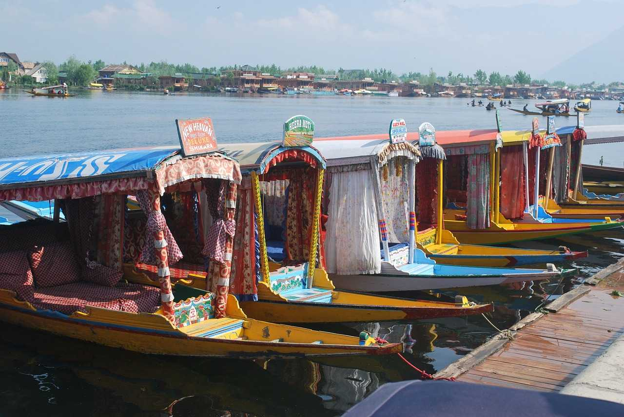 Quintessentially Kashmir; 7 Days Package with Flights Ex Mumbai