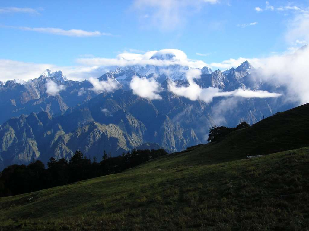 Holi Weekend Auli-Gorson Bugyal Trek; Trip from Delhi