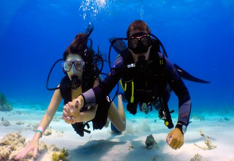 Andaman Honeymoon package includes Scuba diving