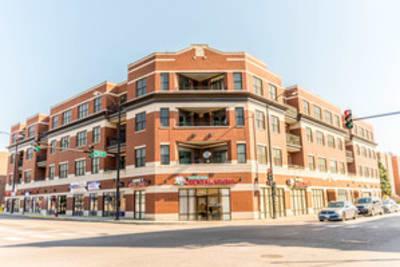 2 Bed/ 2 Bath Condo Chicago, Illinois 60625