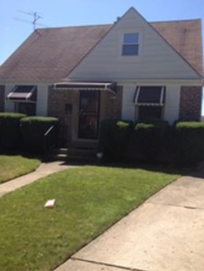 3 Bed/1 Bath, Single Family Home Chicago, Il. 60656   SOLD 02/2016