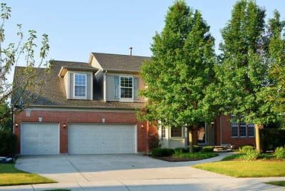 Gorgeous Home in Quiet Sought after Sterling Oaks Subdivision.