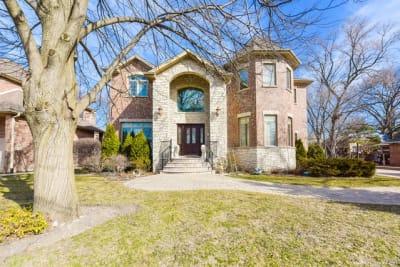 Bright Beautiful Custom Home!