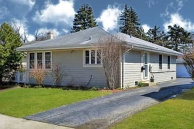 Wonderful updated 3 Bedroom Single family home