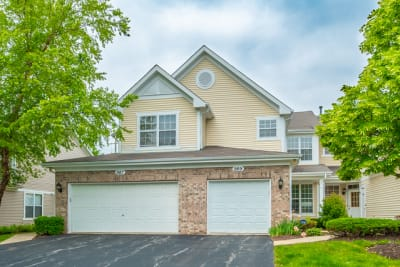 ***JUST LISTED***Recently updated 3 Bedroom 2 1/2 Bathroom 2 story town home