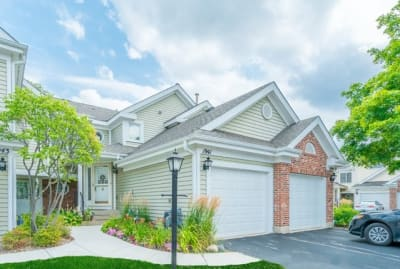 Breathtaking Townhome located in sought after Lake Arlington