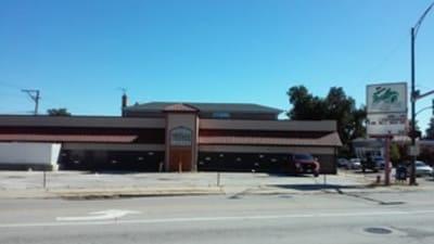 Retail/Stores Chicago, Illinois 60630