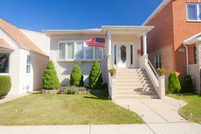 Spacious modern Home steps from award-winning Union Ridge School.