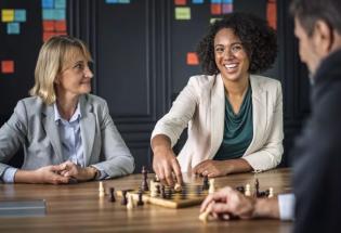世界还在进步:女性领导欧盟政治与金融