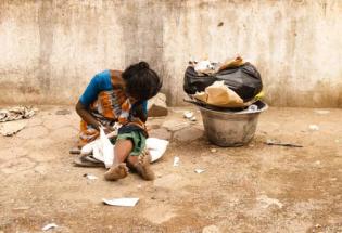 女博士卧底贫民窟,揭露了世间最残酷真相:你没穷过,你不懂