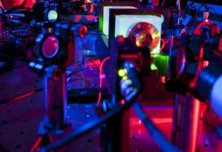当前最高精度实验:即使在最小的时空单位里,时空也未量子化