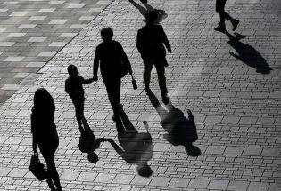 路透焦点:中国社会老龄化与少子化并行 延迟退休或将拉开人口政策调整序幕
