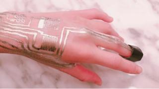 """""""贴纸""""型可穿戴传感器诞生,中美科学家联合研发,可远程监控健康风险"""