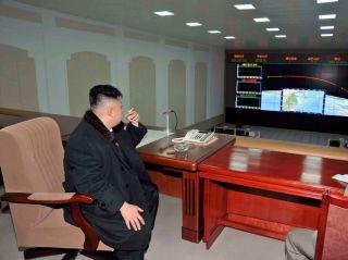 """禁烟的朝鲜与""""烟民""""金正恩"""