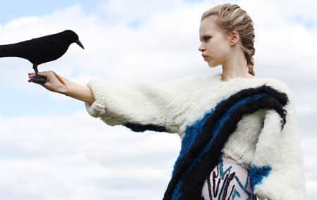 Model will bird on arm
