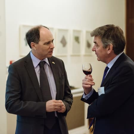 Image of British Ambassador to the Republic of Korea Scott Wightman in conversation with UAL Vice-Chancellor Nigel Carrington