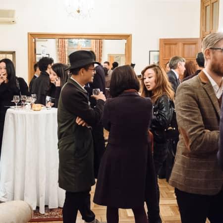 Guests enjoying the UAL Korean Alumni event