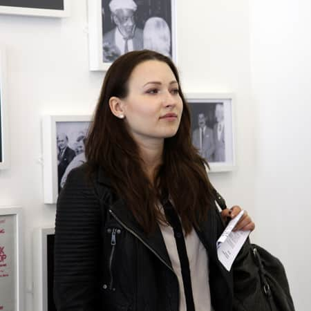 Student on off site gallery visit during a short course. Photograph: Spine Photographic.