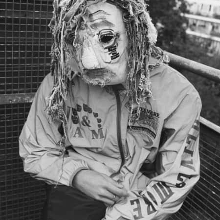 Model in mask