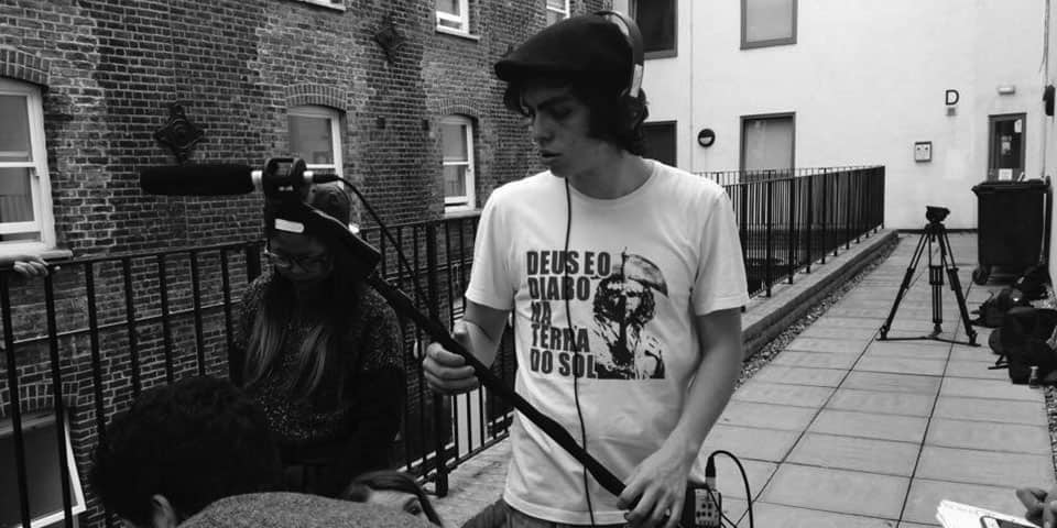 Summer School / Summer Study Abroad Filmmaking short courses at London College of Communications - Image of Students filming on location.