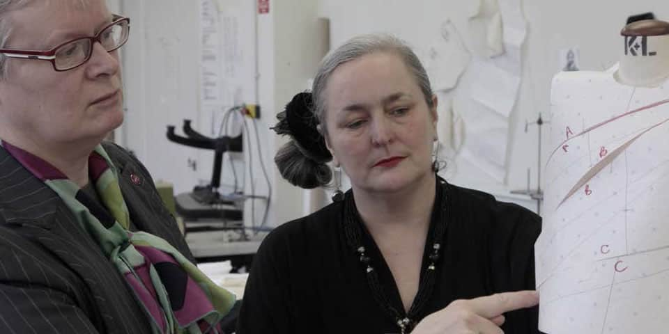 Pattern Cutting Workshop for Surgeons (2013) Rhian Solomon (Photo by Rhian Solomon). Original has been modified.