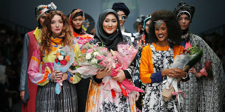 Nelly with Dian Pelangi and Odette Steel at Jakarta Fashion Week