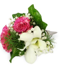 Fit for Royalty Rose Wrist Corsage™