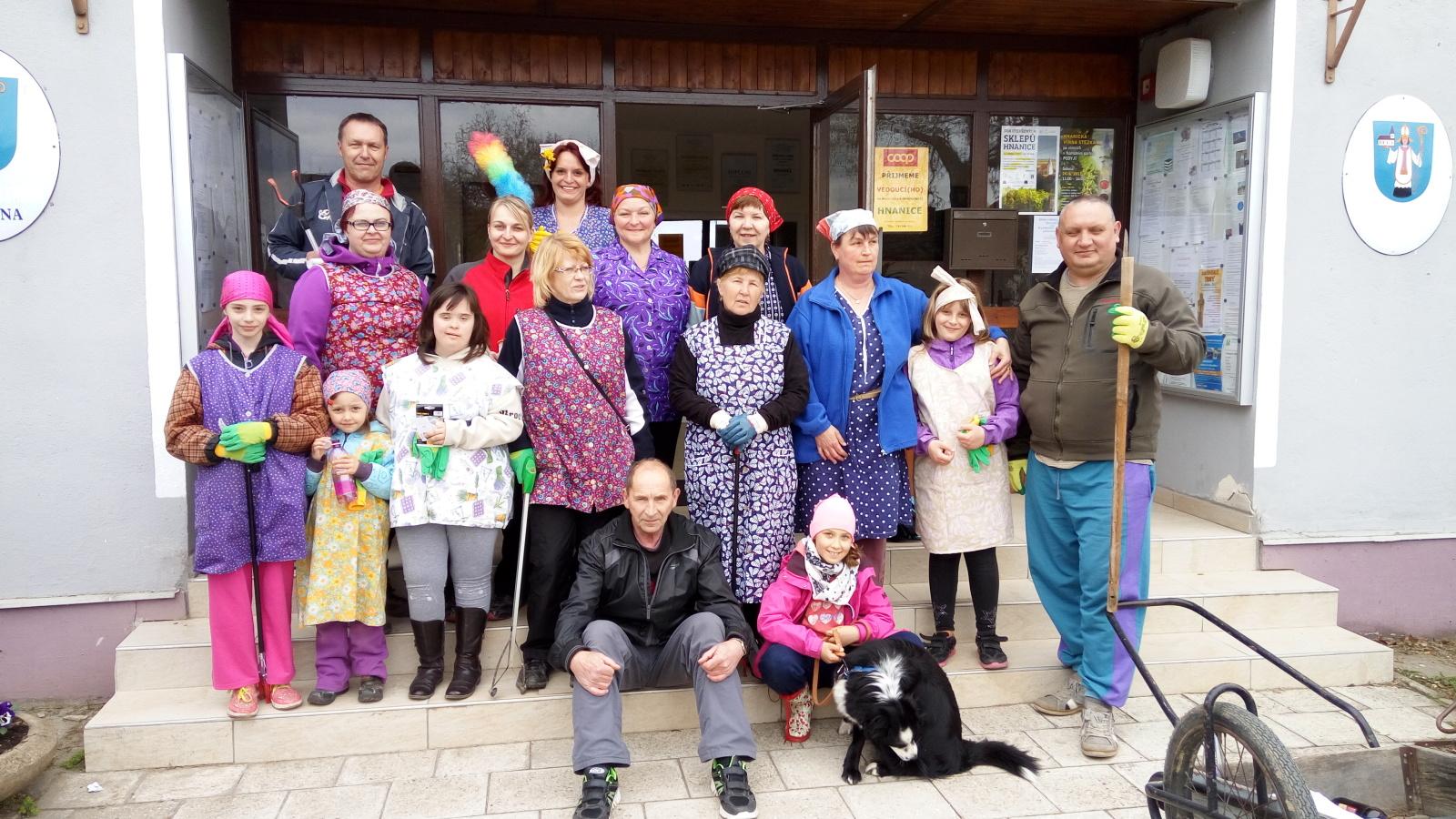 Dobrovolníci z Hnánic