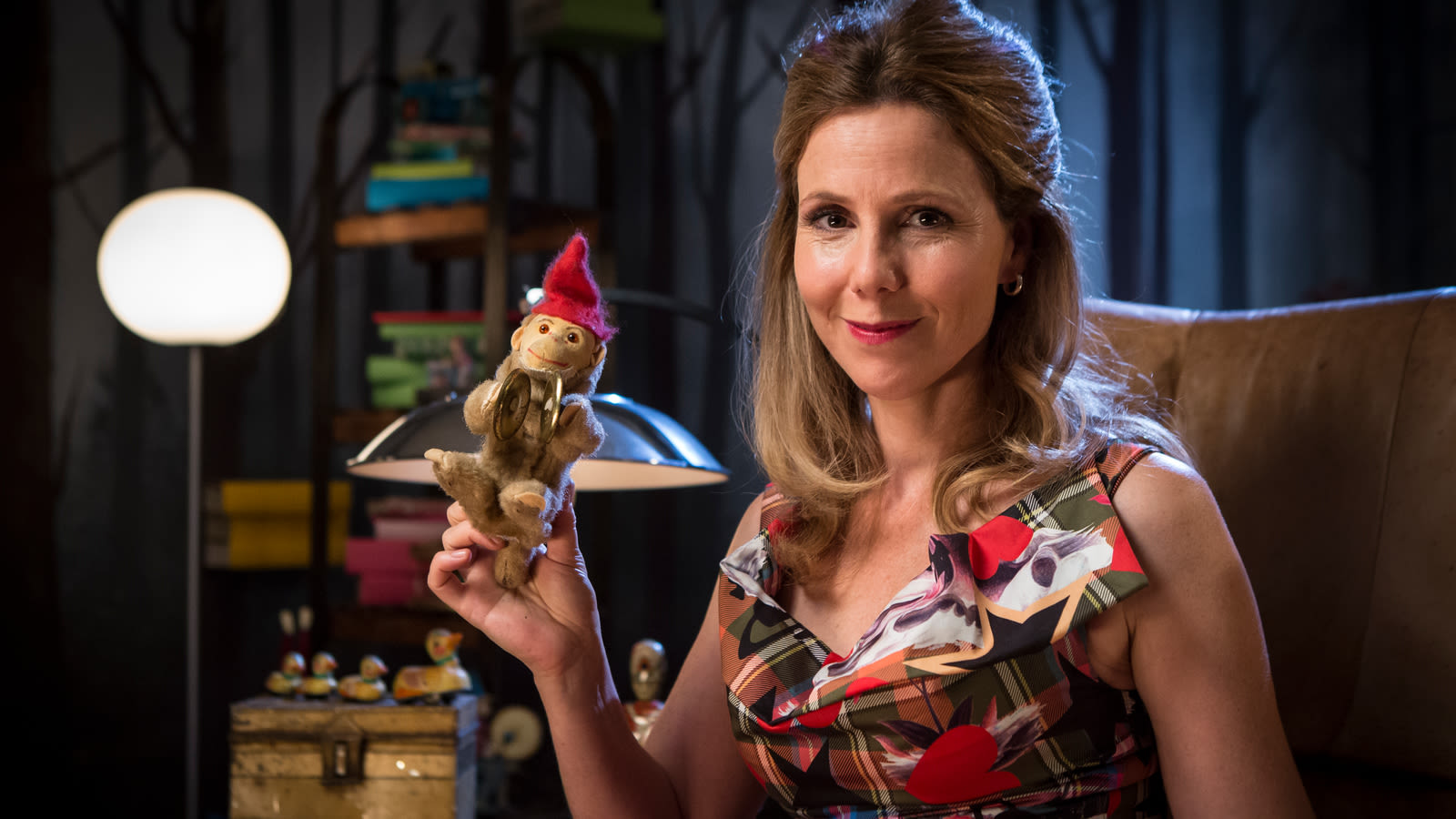 , sally phillips actress, sally phillips dhs, sally phillips facebook