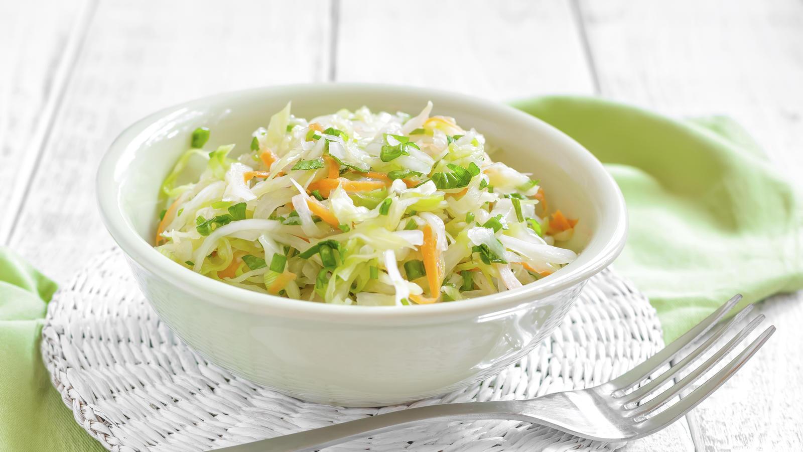 Диетические салаты из свежей капусты рецепты с