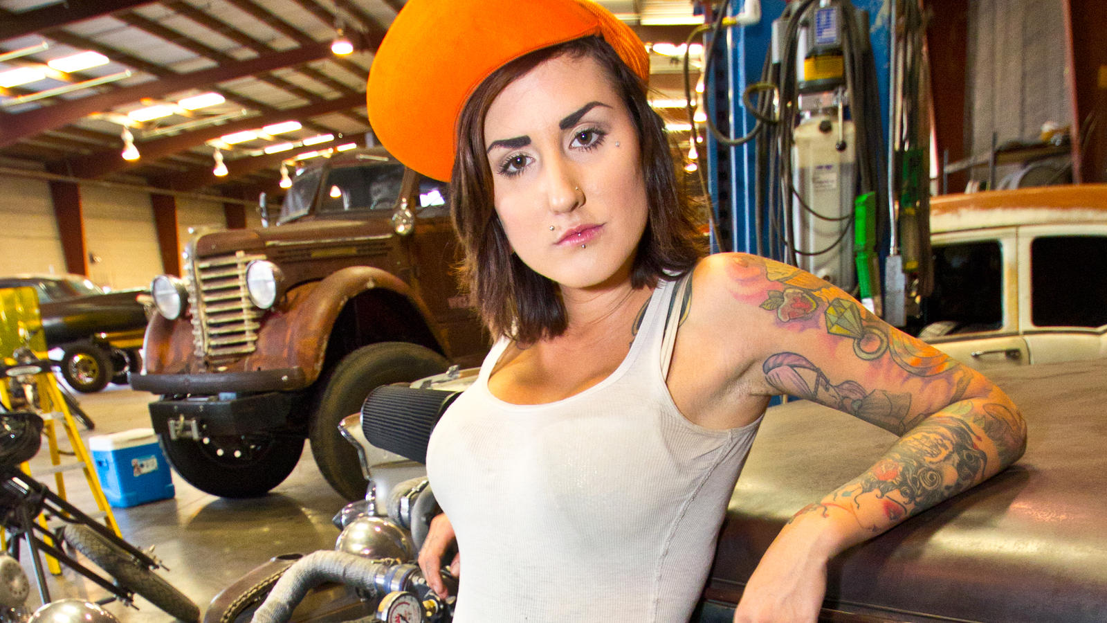 Sin City Motors Star Twiggy Answers Your Questions Sin